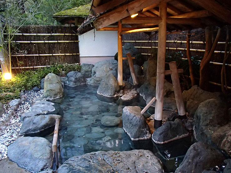 慶雲館温泉